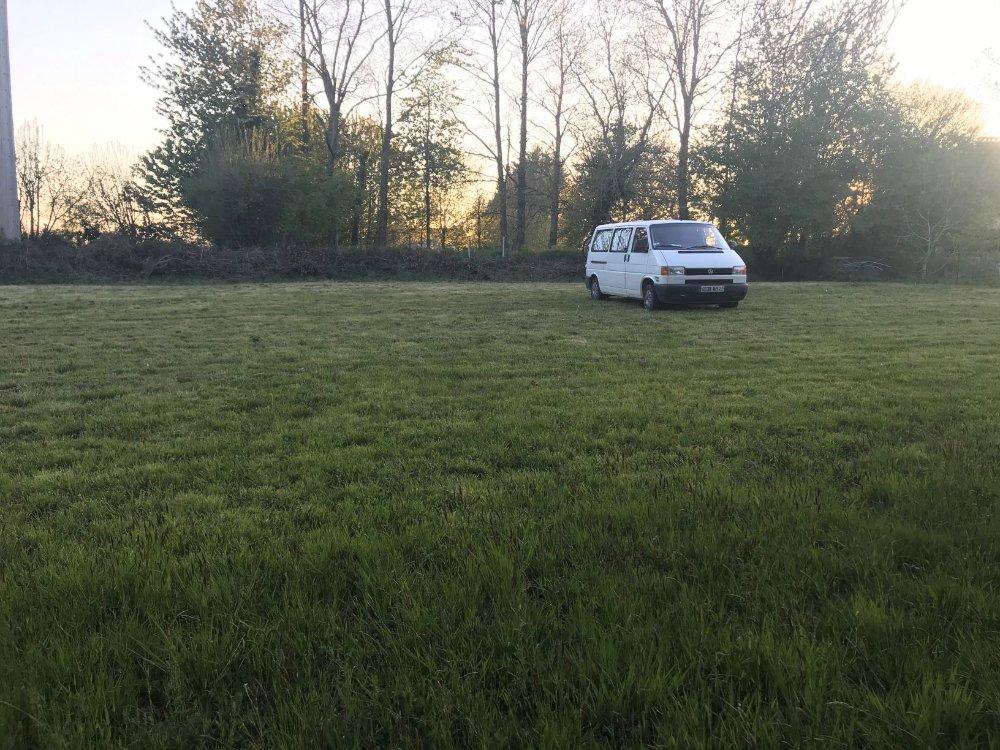 Aire camping-car à Aucaleuc (22100) - Photo 1
